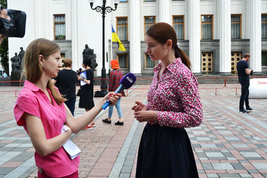 Пацієнти вимагають ухвалити закон, який зупинить біль 2 мільйонів хворих українців