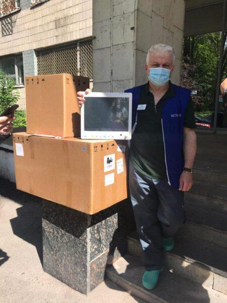 Медики отримали допомогу для боротьби з коронавірусом на 7,5 мільйонів гривень — Група компаній Новартіс в Україні та БФ «Пацієнти України»